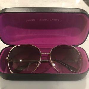 Diane Von Furstenberg Large Round Sunglasses